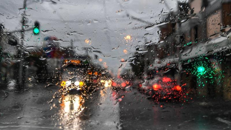 Heavy winds and rain to batter Victoria overnight