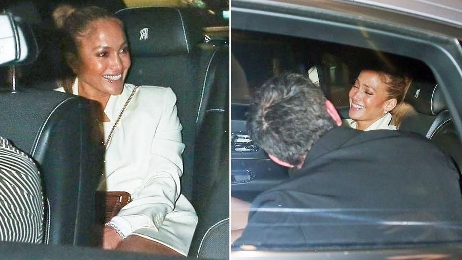 Jennifer Lopez, Ben Affleck erupt in laughter during romantic date night in Los Angeles: photos