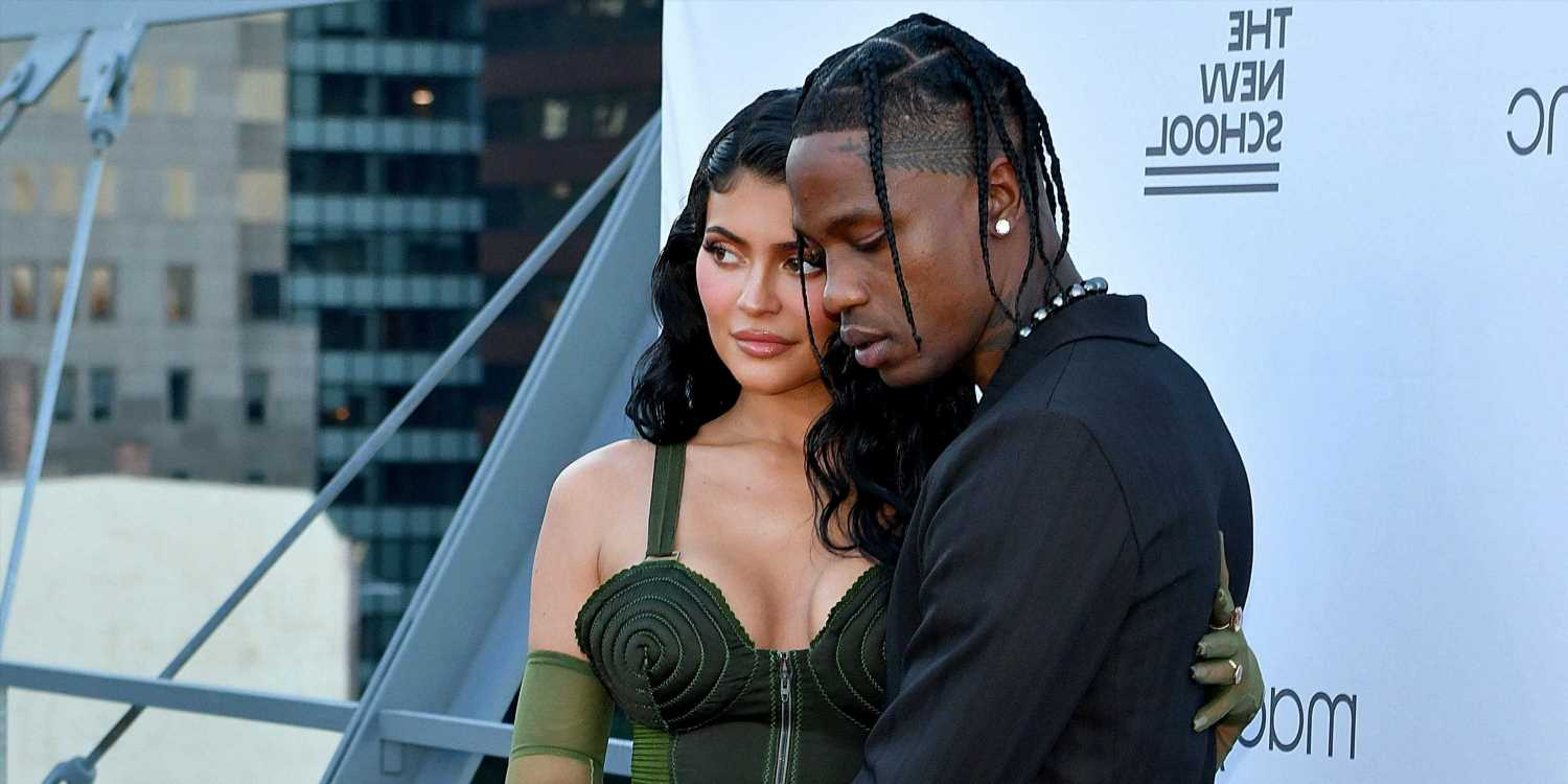 Kylie Got Sewn Into a Gorgeous Vintage Dress and Hit the Red Carpet with Travis and Stormi