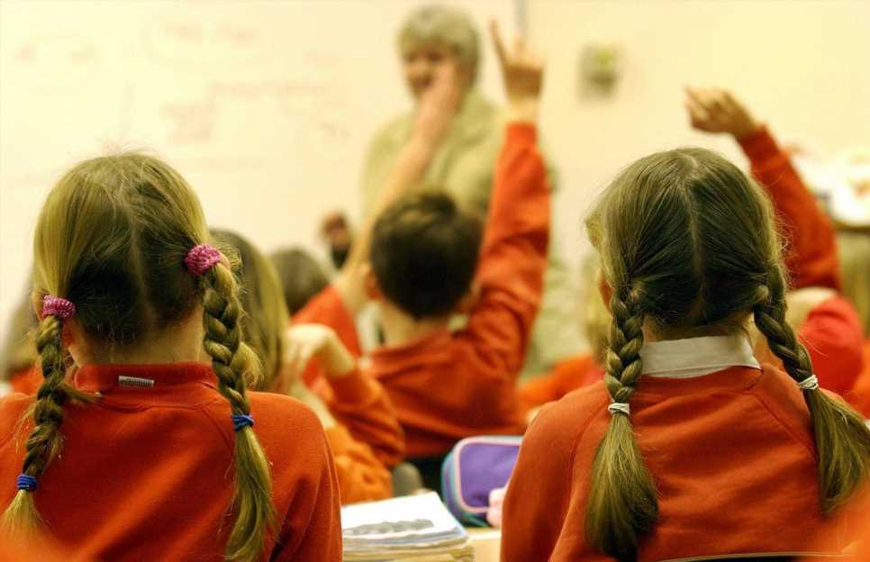 Staggering 1 in 20 pupils off school and self-isolating because of Covid contact