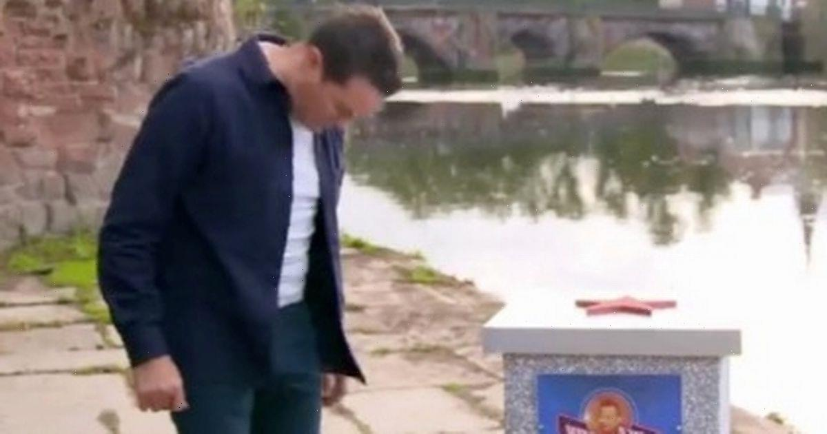 Stephen Mulhern's awkward moment as flies are undone while hosting TV show