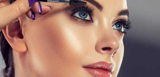 The Drugstore Mascara That Celebrity Makeup Artists Swear By