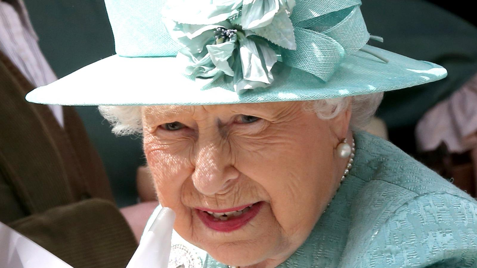 The Most Controversial Outfits Queen Elizabeth Ever Wore