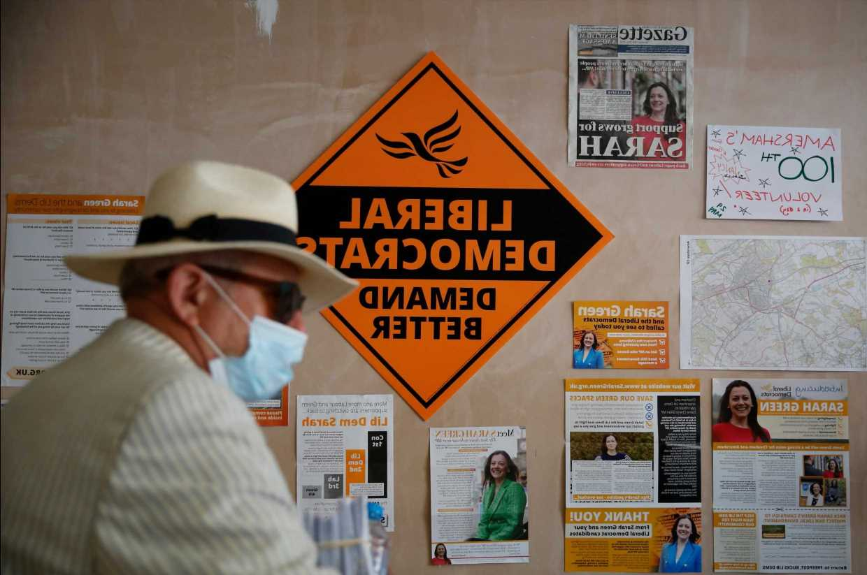 Voters go to the polls in by-election as Tories battle to hold off Lib Dem surge in leafy Buckinghamshire seat