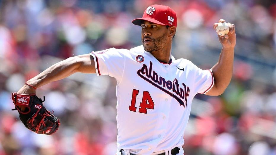 Father of Nationals pitcher Joe Ross jumps into action to help save choking woman