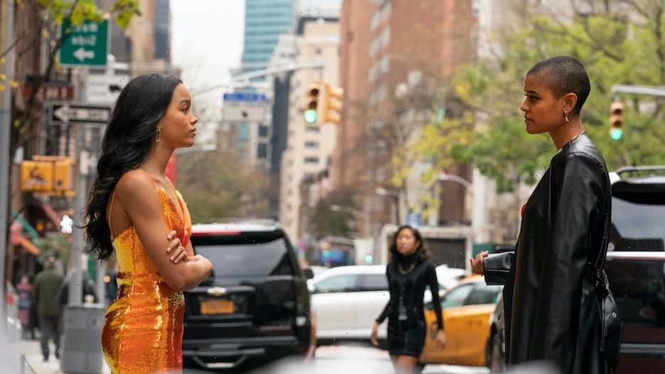 'Gossip Girl' Reboot Creator Breaks Down Julien and Zoya's Simmering Sisterly Feud