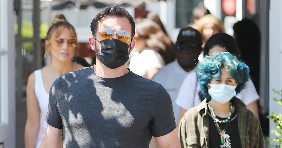 Jennifer Lopez and Ben Affleck are a happy blended family over lunch with their kids