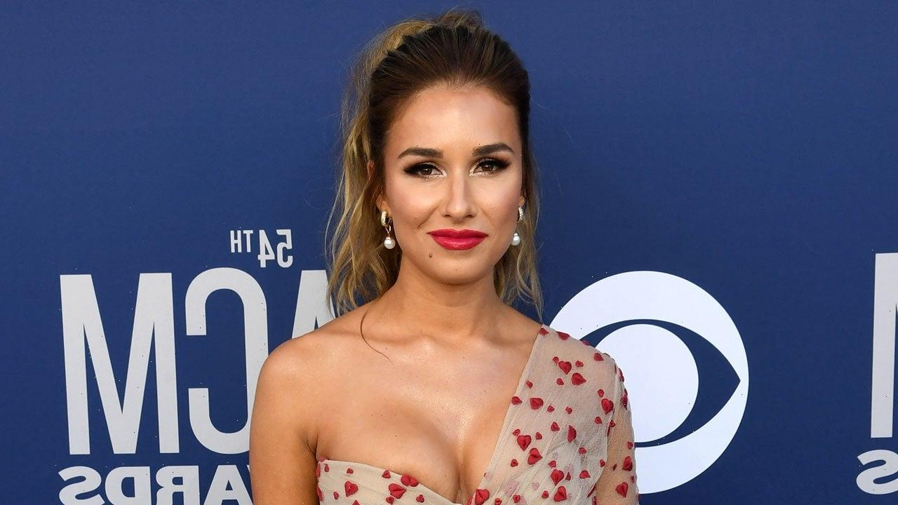 Jessie James Decker Shares Tearful Video About Body Shaming Subreddit