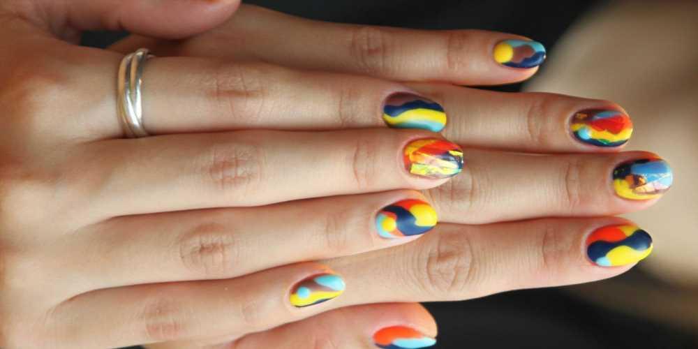 7 Moisturizing Nail Polish Removers That Don't Leave Nails Dry