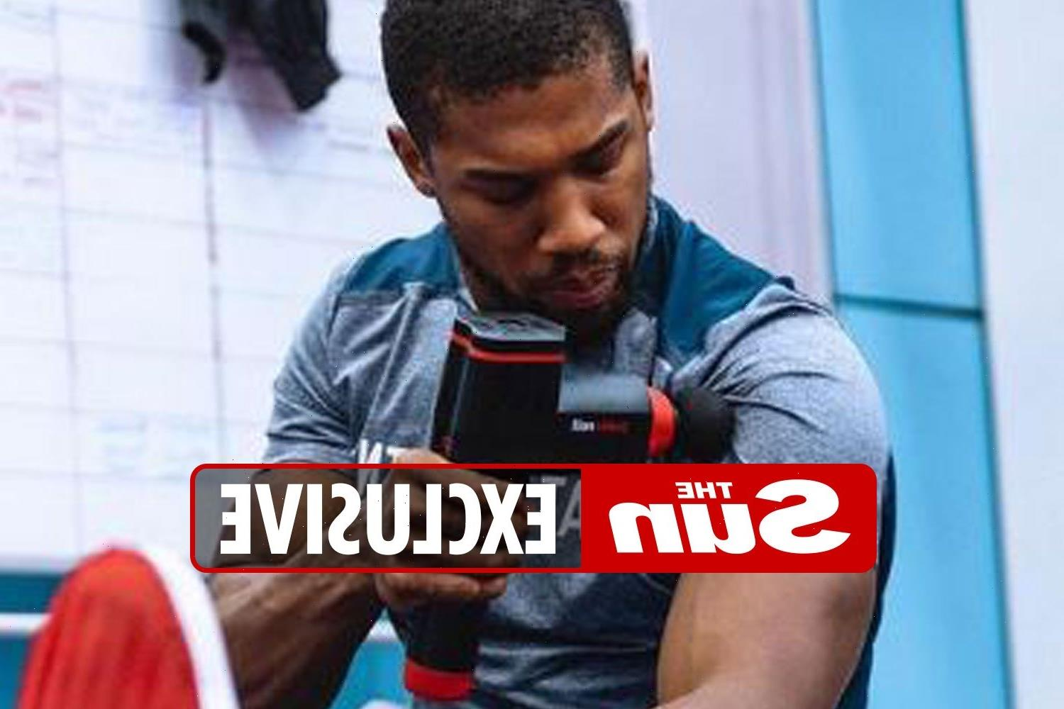 Anthony Joshua's coach reveals secret to body transformation after champ ditches weight lifting for Oleksandr Usyk fight