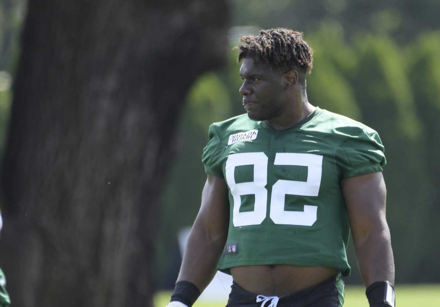 Carl Lawson dominates Jets practice with multiple 'sacks'