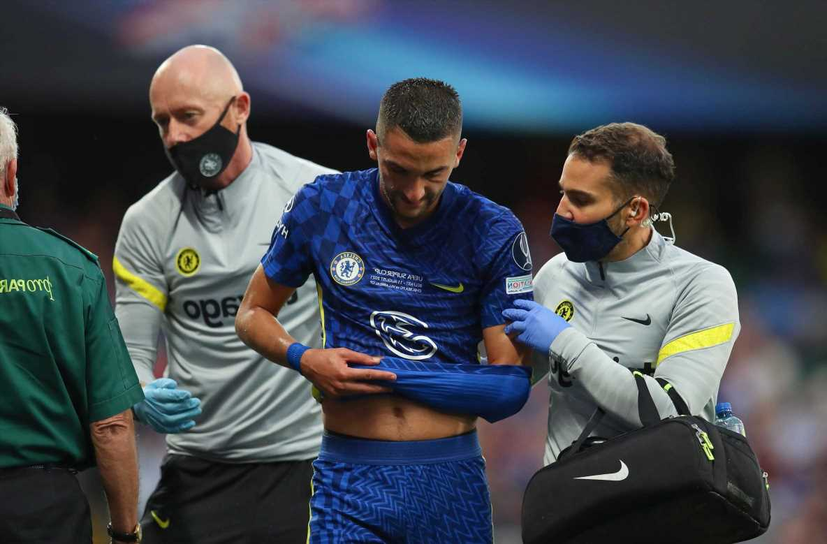 Chelsea star Hakim Ziyech off with apparent shoulder injury after scoring opener in Super Cup