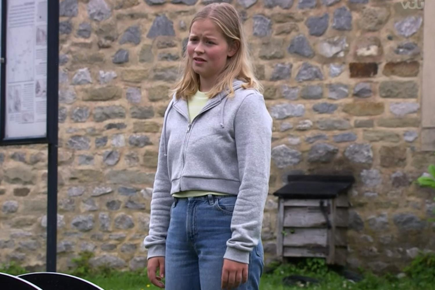 Emmerdale fans disgusted as alcoholic Liv Flaherty resorts to drinking AGAIN