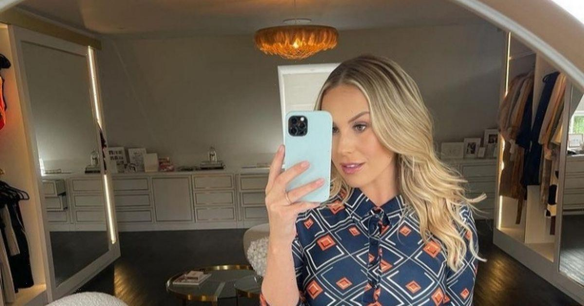 Kate Ferdinand shows off her toned torso as she poses in crop top for mirror selfie