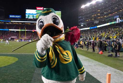 Best of the West College Football Top 25: Oregon Ducks make College Football Playoff statement, debut at No. 1