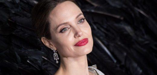 How Tall Is Angelina Jolie?
