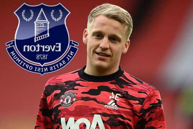 Man Utd 'BLOCK Van de Beek from joining Everton in deadline day loan transfer despite £35m flop wanting to leave'
