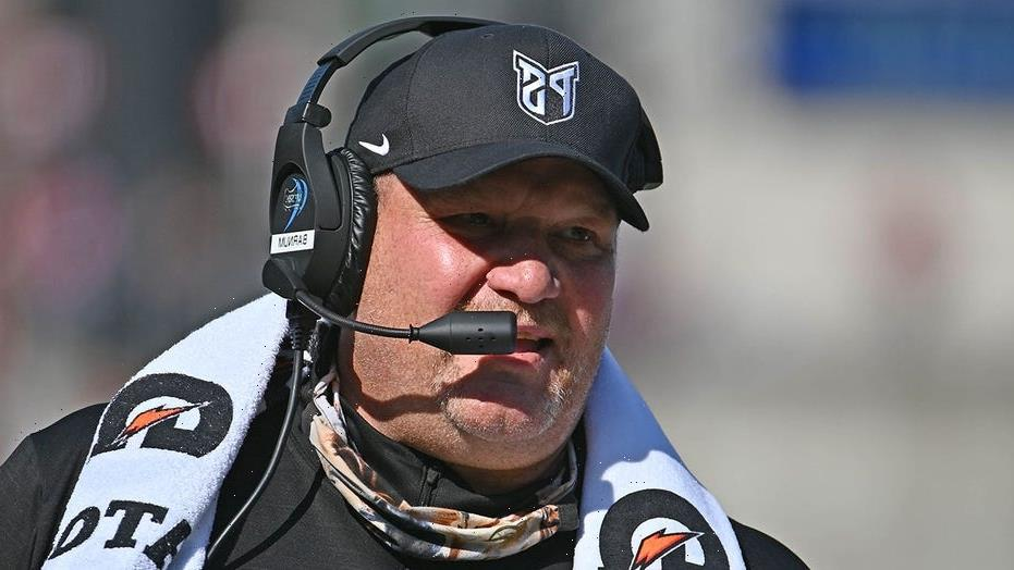 Portland State football coach offers to buy you a beer if you come watch his team