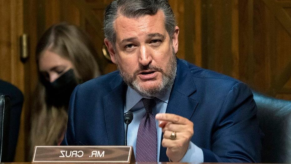 Ted Cruz backs NBA players' vaccine status positions