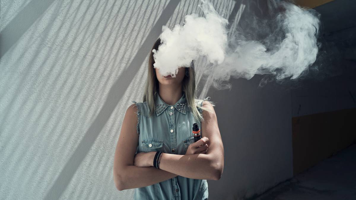 Aussie teen hospitalised after vaping leads to 'horrendous' lung illness
