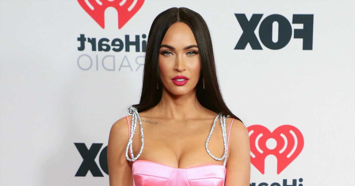 Fans Are Convinced Megan Fox Looks Like Kim K. With Her New Silver 'Do