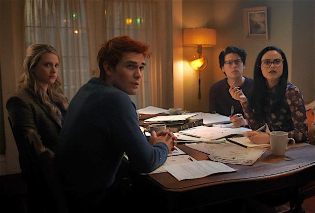 Riverdale Finale Shakes Up the Show's Core Couples Before Dropping a Bomb